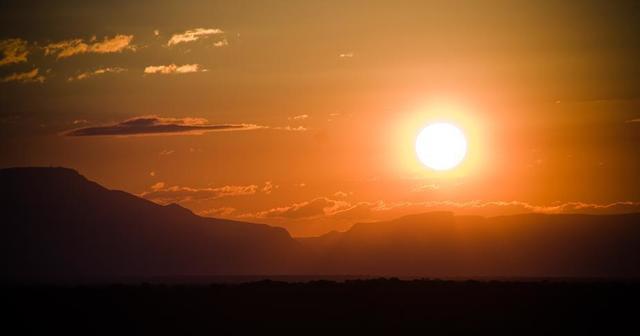 african-safari-sunset.jpg