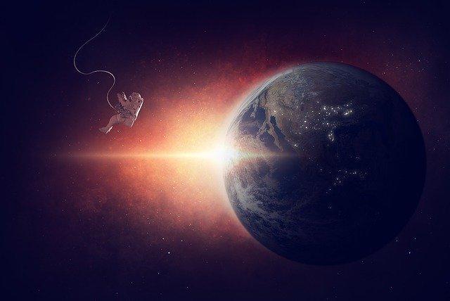 astronaut-1784245_640.jpg