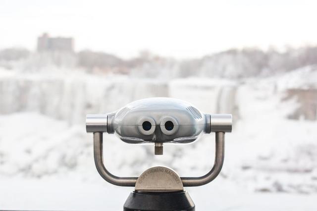 binoculars-at-the-icey-falls.jpg