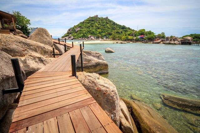 boardwalk-by-the-ocean.jpg