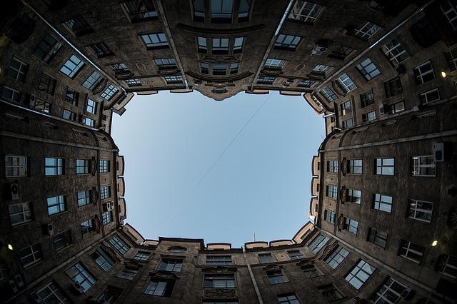 buildings-1336611_640.jpg