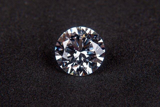 diamond-123338_640.jpg