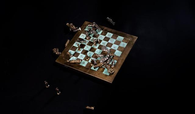 fallen-chess-pieces.jpg