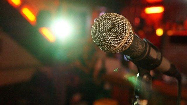 microphone-3989881_640.jpg