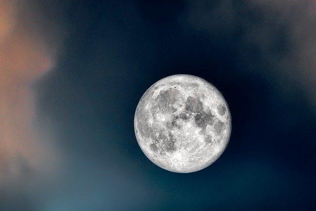 moon-6365467_640.jpg