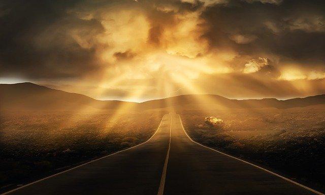 road-3478977_640.jpg