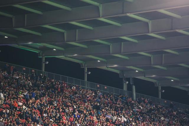 sports-stadium-crowds.jpg