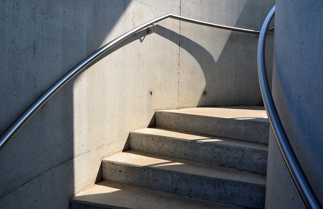 stairs-6517488_640.jpg