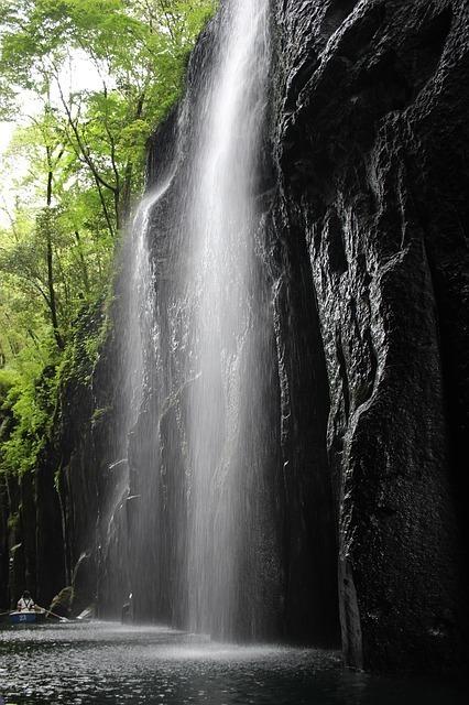 takachiho-gorge-1195555_640.jpg