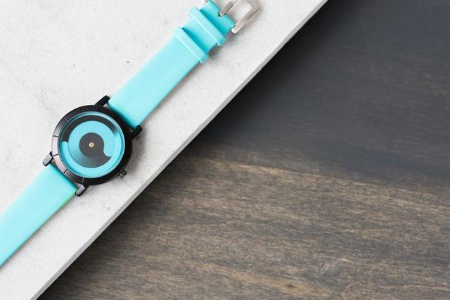unique-display-turquoise-watch.jpg